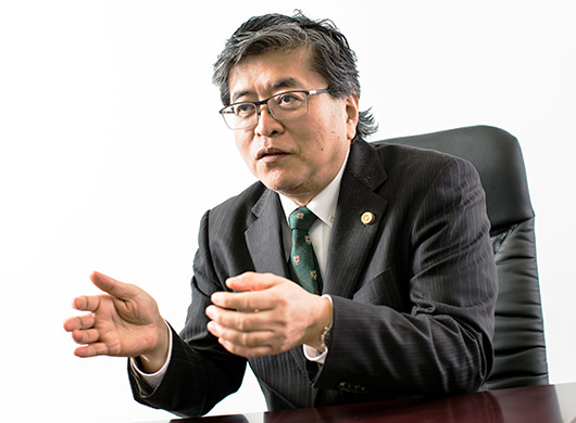 泉義孝弁護士(代表弁護士)